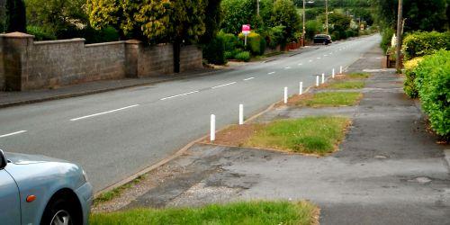 White posts on Sandon Road