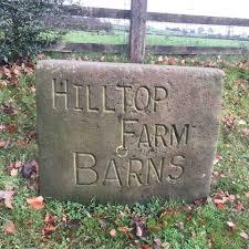 Hilltop Farm Barns sign